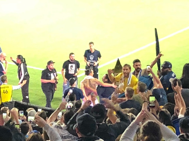 Zlatan congrats Fans